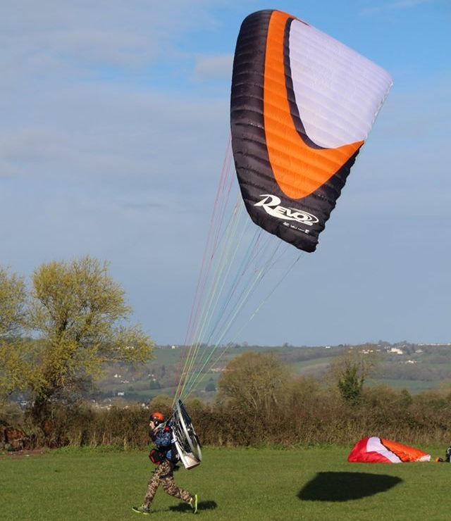 how to launch a paramotor
