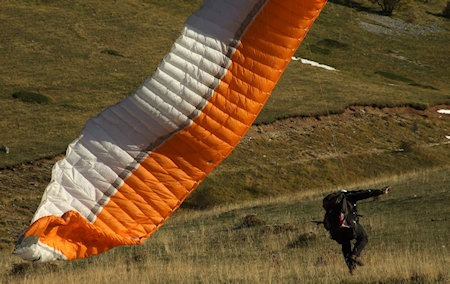 paragliding vs paramotoring safety and dangers