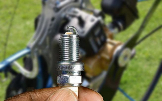 paramotor spark plug color
